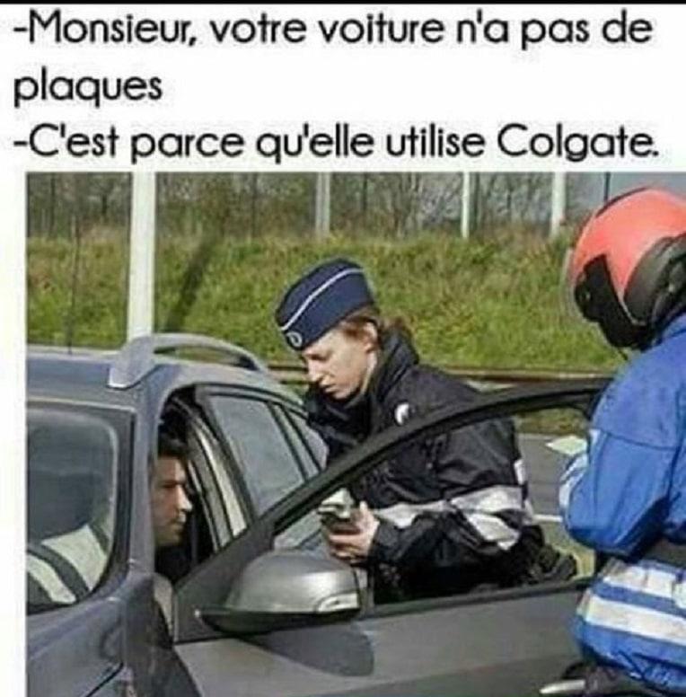 Monsieur, votre voiture na pas de plaques